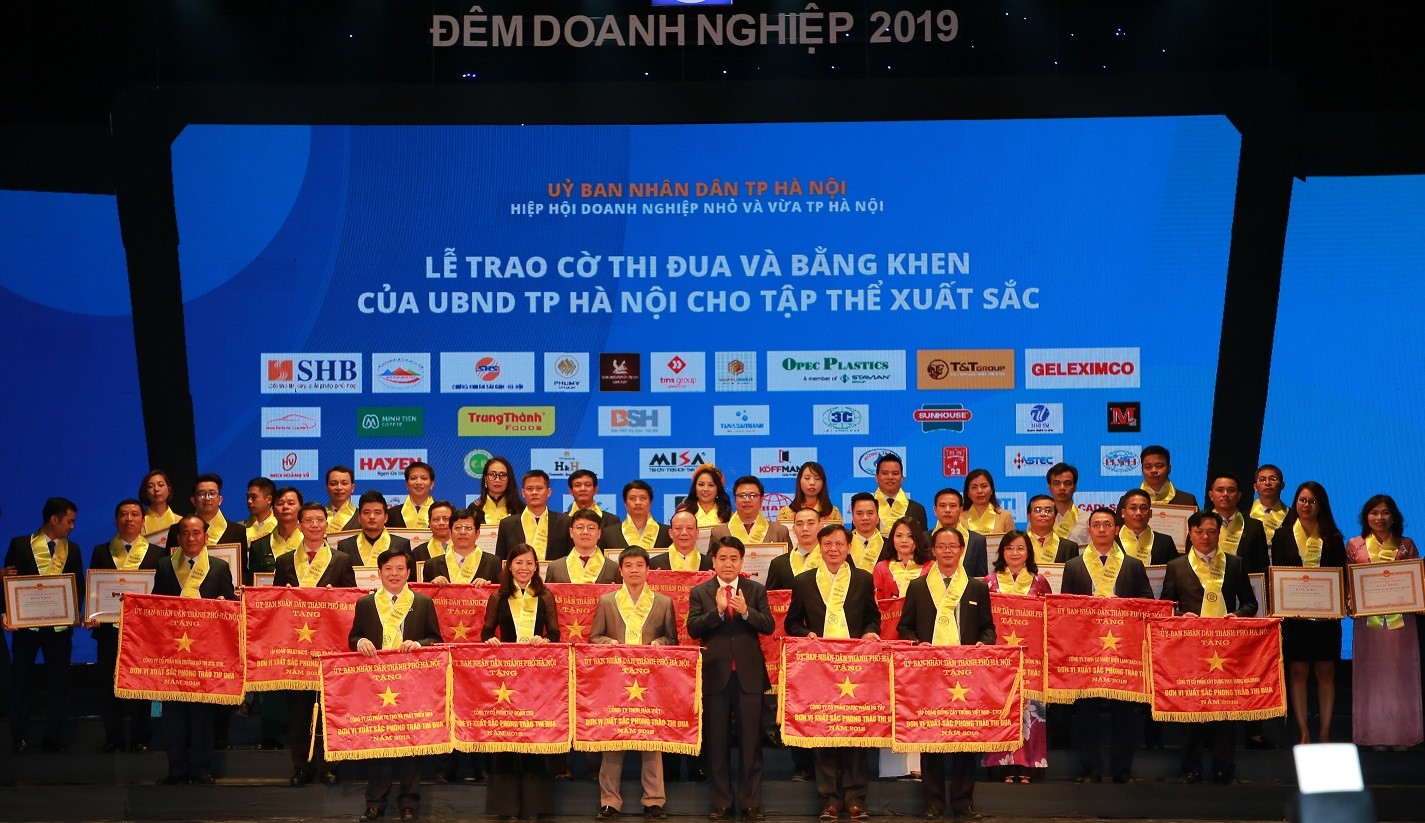 "Nearly 200 enterprises honored at ""Enterprise Night 2019"""