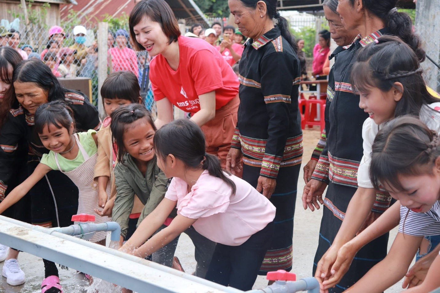 Mang Yang residents warmly welcome new clean water supply