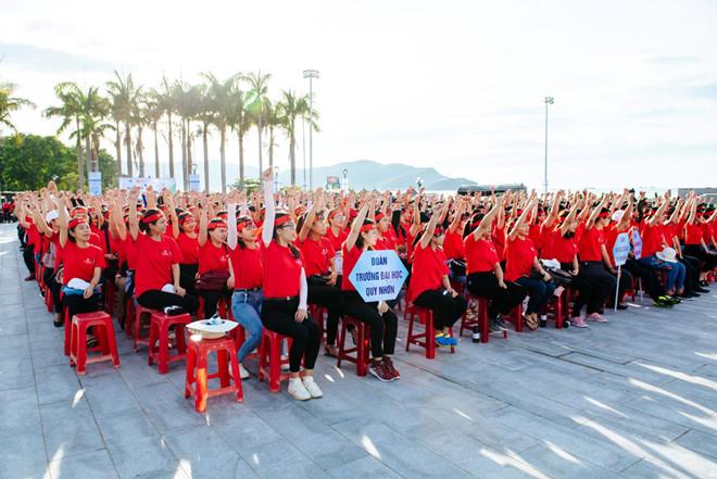 3000 người hưởng ứng chiến dịch làm sạch biển do TMS Group tổ chức