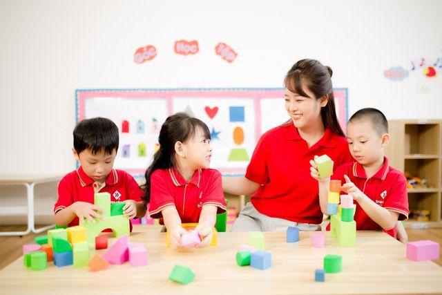Giờ học say mê và hạnh phúc của những em bé TMS School